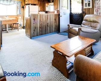 Scenic Bay Float Home Hideaway - Athol - Living room