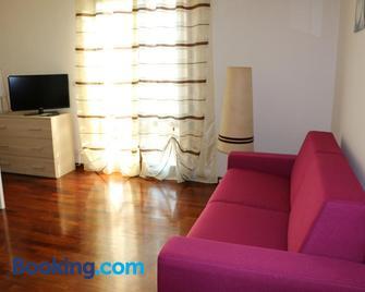 Appartamenti Via Calnova - Noventa di Piave - Living room