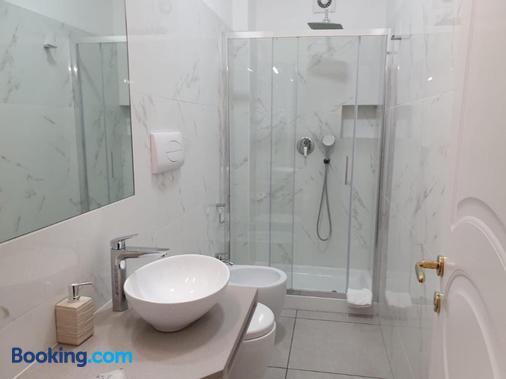 Guest House Piazza Carmine - Reggio Calabria - Bathroom