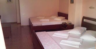 Faros 2 Hotel - Piraeus - Kamar Tidur