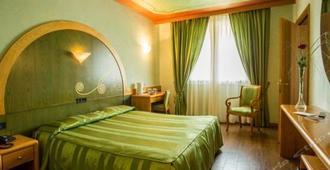 亞奎拉多羅酒店 - 迪塞薩諾德加達 - 德森扎諾-加爾他 - 臥室