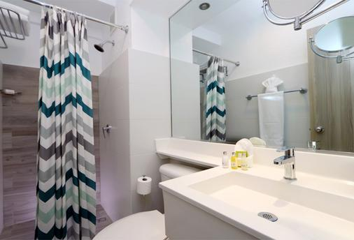 The Wave Hotel at Condado - San Juan - Bathroom