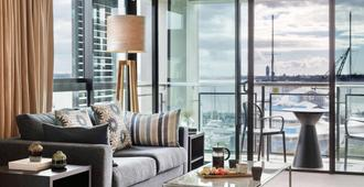The Sebel Auckland Viaduct Harbour - Auckland - Living room