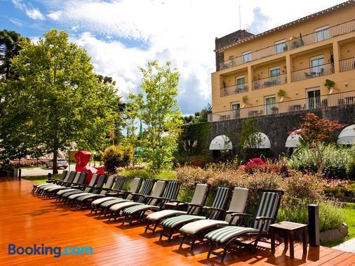 Grande Hotel Campos do Jordao - Campos do Jordão - Building