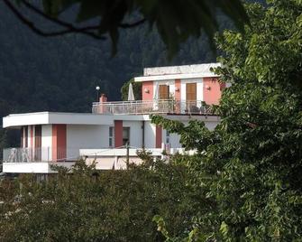 Albergo San Carlo - Massa - Building