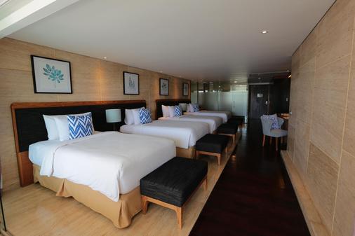 de Vins Sky Hotel Seminyak - Kuta - Bedroom
