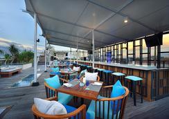 de Vins Sky Hotel Seminyak - Kuta - Restaurant