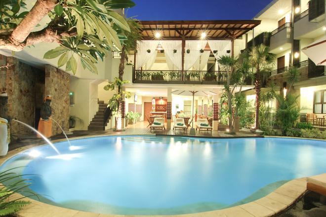 Manggar Indonesia Hotel & Residence - Kuta - Piscina