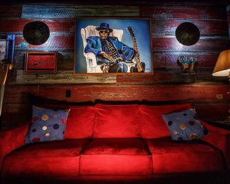 The Hooker Hotel - 'Unique, Cool, and Spacious, with a killer location' - Clarksdale
