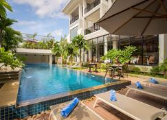 Model Angkor Hotel - Siem Reap - Pool