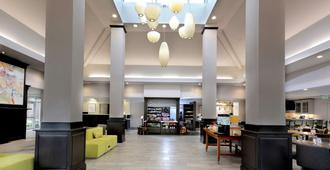 Hilton Garden Inn Raleigh Triangle Town Center - Raleigh - Lobby