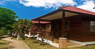 Krathom Khaolak Resort - Khao Lak - Building