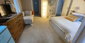 Master bedroom with bathtub - Truckee - Habitación