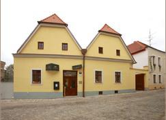 Hotel Lahofer - Znojmo - Building