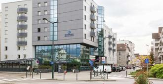Best Western Hotel International - Annecy - Gebäude