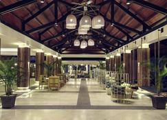 Mercure Manado Tateli Resort and Convention - Manado - Lobby