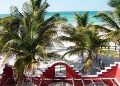 Casa Maya Lodge Robinson Crusoe Style - El Cuyo - Vista del exterior