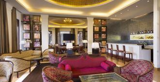 Ramada by Wyndham Udaipur Resort and Spa - אודאיפור - טרקלין