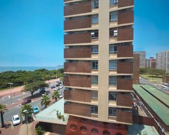 The Blue Waters Hotel - Durban - Building