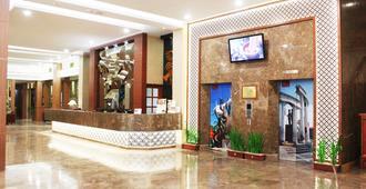 Grand Inna Tunjungan - Surabaya - Front desk