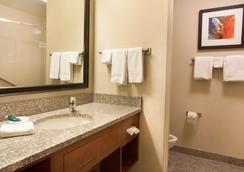 Drury Inn & Suites Phoenix Tempe - Tempe - Schlafzimmer