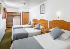 OYO Abbey Hotel - London - Bedroom