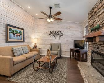 Holiday Inn Club Vacations Piney Shores Resort - Conroe - Huiskamer