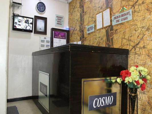 Hotel Cosmo - New Delhi - Front desk