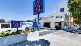 聖約瑟會議中心6號汽車旅館 - 聖荷西 - 建築
