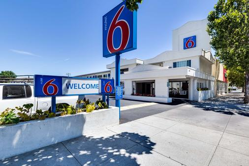 Motel 6 San Jose Convention Center - San José - Building