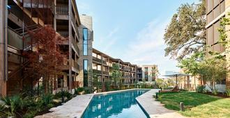 Hotel Magdalena - Austin - Building