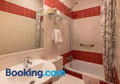 Hostal Santillan - Madrid - Bathroom