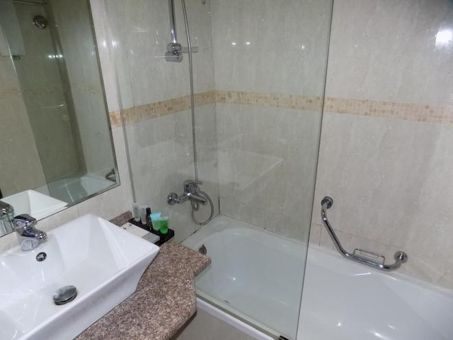 Dream Palace Hotel - Dubai - Kylpyhuone