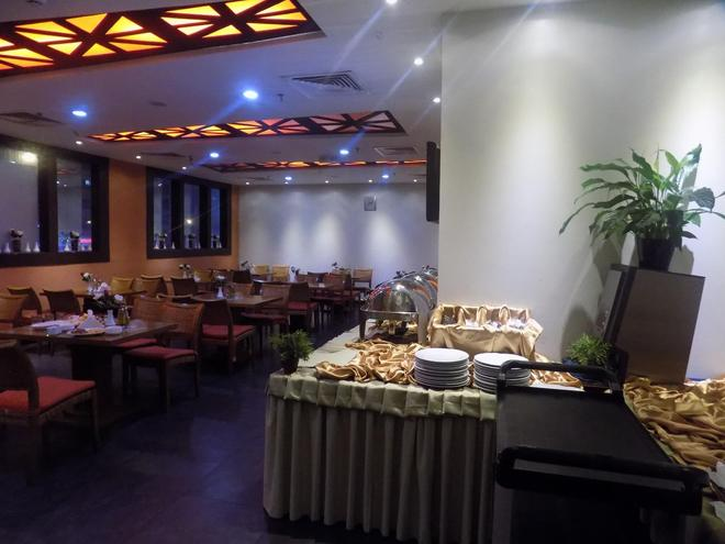 Dream Palace Hotel - Dubai - Buffet