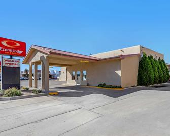 Econo Lodge Inn & Suites - Socorro - Building