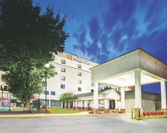 La Quinta Inn & Suites DC Metro Capitol Beltway - Capitol Heights - Gebäude