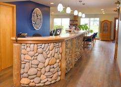 Ocean Resort - Campbell River - Building