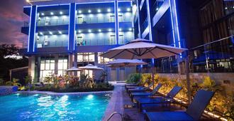 Vienna Hotel - Coron - Bể bơi