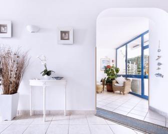 Hotel Mediterraneo Latina - Latina - Gebouw
