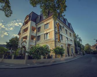 Hotel Eden - Iaşi - Building