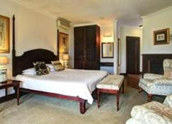 Far Hills Hotel - George - Bedroom