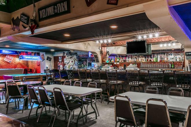 Ramada by Wyndham Odessa Near University of Texas Permian - Odessa - Bar