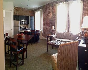 High Cotton Condos - Clarksdale - Living room