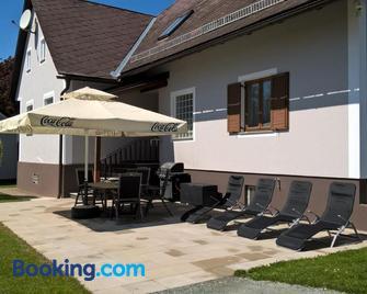 Urlaub Beim Chris - Straß in Steiermark - Innenhof