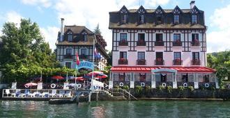 Les Cygnes - Évian-les-Bains