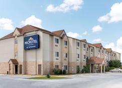 Microtel Inn & Suites by Wyndham Eagle Pass - Eagle Pass - Edifício