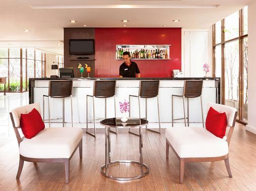 宜必思曼谷河濱酒店 - 曼谷 - 酒吧