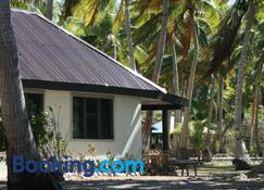 Coconut Beach Resort - Tavewa Island - Gebäude