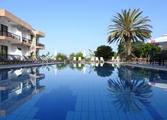 Anna Hotel Apartments - Πάφος - Πισίνα