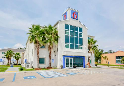 Motel 6 Austin Tx Central Downtown Ut 52 1 1 7 Biloxi